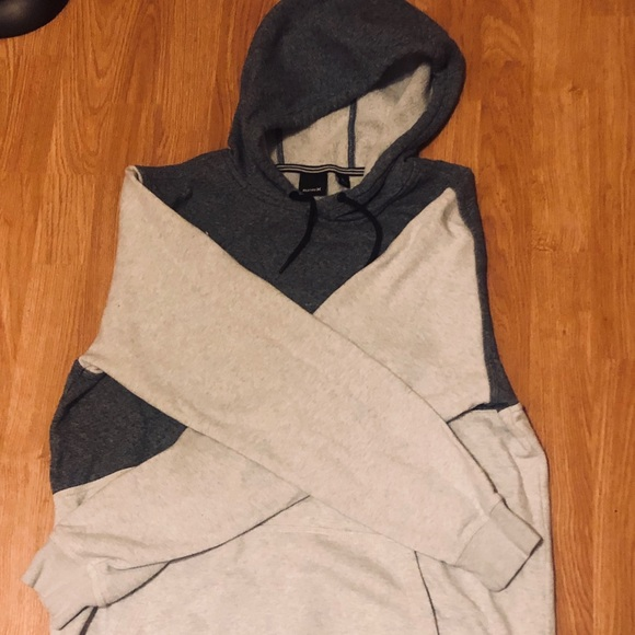 Hurley Tops - Hurley men's Grey & Navy Heather Hoodie, size L